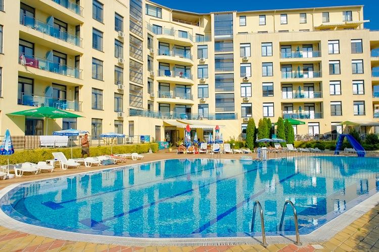 Апартаменти в апартхотели в Несебър, Слънчев бряг и Свети влас