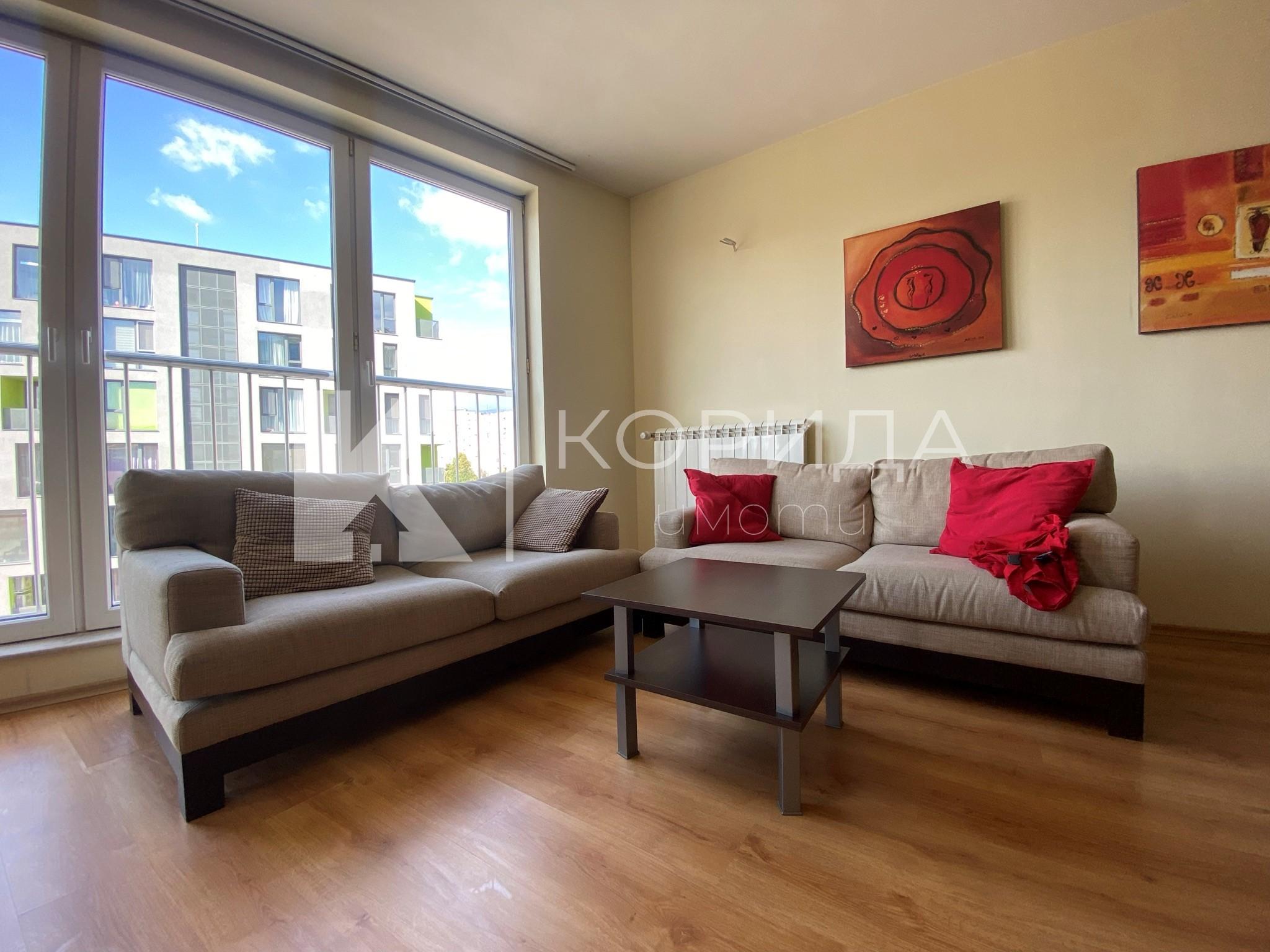 Стилен 4-стаен апартамент на ул. Слатинска