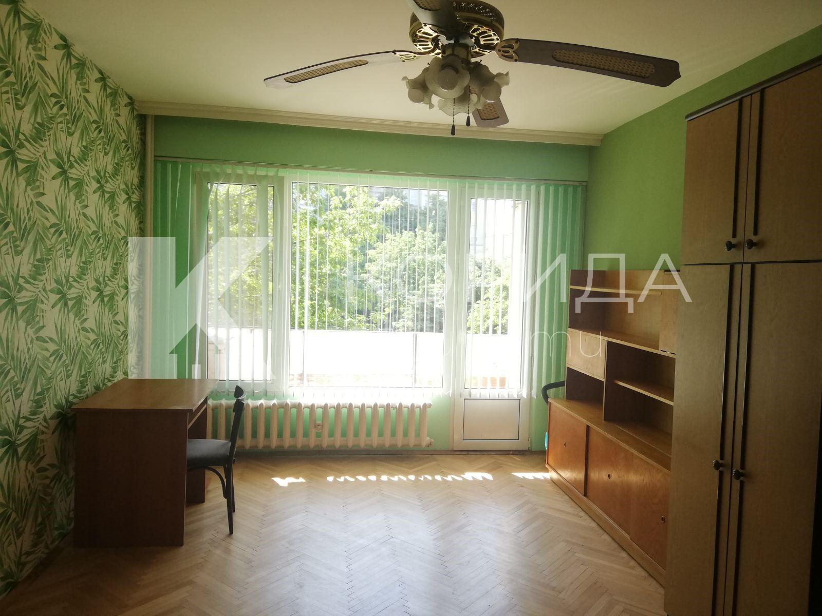2-стаен апартамент до магазин Фантастико в ж.к. Люлин 1
