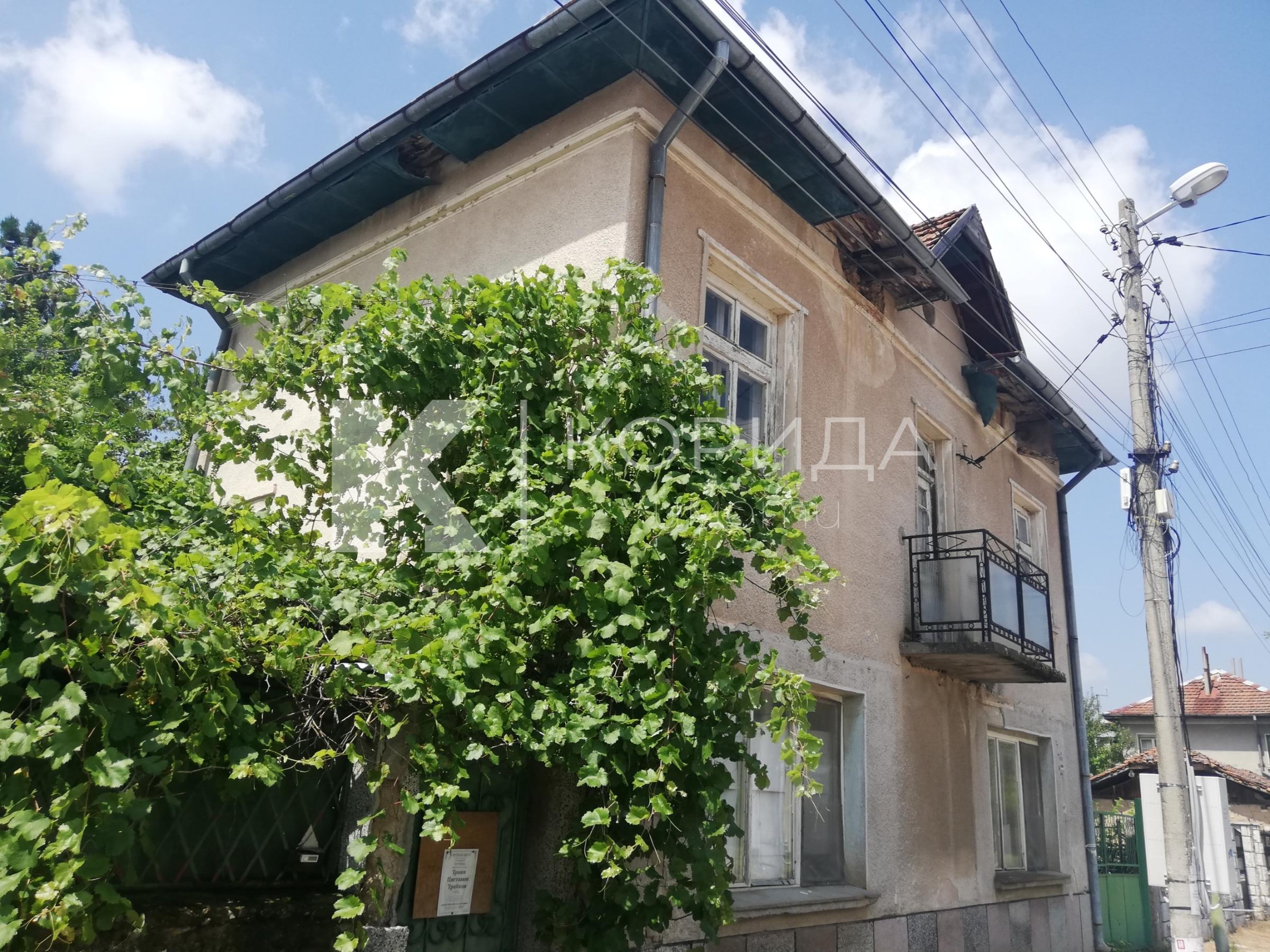 Къща в кв. Бояна до бул. бул. България